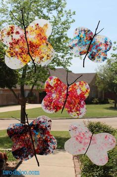 Toddler Art Tuesdays: Butterfly Suncatchers (and Suncatcher Roundup) Animal Crafts For Kids, Craft Projects For Kids, Easy Crafts For Kids, Craft Activities For Kids, Summer Crafts, Diy For Kids, Summer Art, School Projects, Suncatchers