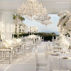 thebridalcircle: Another ALL white view design from @whitelilacinc Truly Exceptional! Captured beautifully by @mariannelozano #white #whitelilac