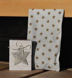 Löylypussilahjapakkaus, valkoinen - pienet beiget tähdet - Emma's & Mama's shop
