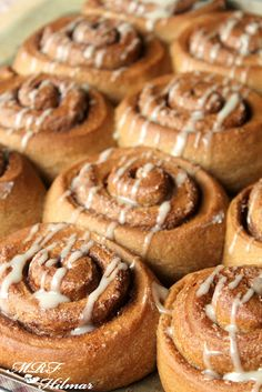 Whole wheat cinnamon buns~Rollos de canela integrales