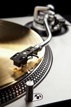 Vinyl Music, Music Wall, Vinyl Records, Modern Georgian, Musician Photography, Vinyl Record Collection, Dj Gear, Love Store, Record Players