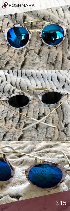Round Marble Reflective Sunglasses Brand New Women's Round Bridge Metal Sunglasses ▪️ White Marble , Gold Arms, Blue Reflective Lenses ▪️UV400 ▪️45mm Lens Height, 50mm Lens Width, 150mm Frame Width, 135mm Arm Length ▪️Same Day Or Next Day Shipping 📦📤 Accessories Sunglasses