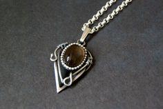 smokeykwarts hanger sterling zilver geoxideerd door Draadjuwelen