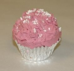 Raspberry Truffle Cupcake Soy Candle Recipe! I love this!