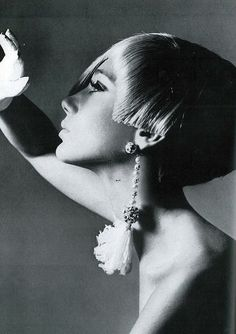 Marisa in short blond wig styled by Charles of Vidal Sassoon, photo by Bert Stern, Vogue US 1965