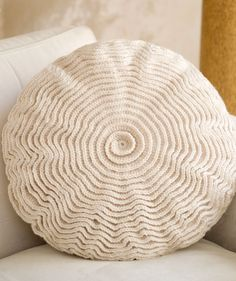 Crocheted pillow cover pattern