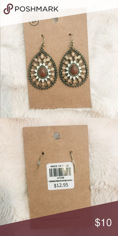Boho Earrings from EarthBound Brown center stone. Surround with white and tan/pink. Dark gold color metal. Light weight. Purchased a long time ago but never worn.                                                   🌟Price can be Negotiated!!🌟 Earthbound Trading Co. Jewelry Earrings