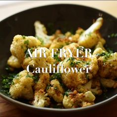 Perfectly roasted cauliflower in your air fryer in less than 15 minutes! Makes for a great side dish or summer salad or even a main course for vegans. Air Fryer Recipes Videos, Air Fryer Recipes Vegan, Air Fryer Recipes Breakfast, Air Frier Recipes, Air Fryer Dinner Recipes, Air Fryer Healthy, Power Air Fryer Recipes, Air Fryer Recipes Vegetables, Breakfast Cooking