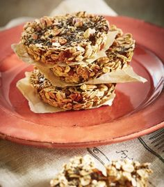 Una deliciosa y saludable idea para el hambre de media mañana.Barras de avena con chia