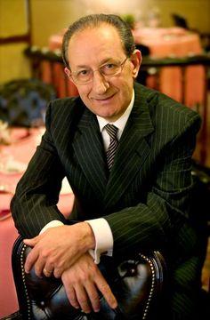 José Monje, propietario de Via Veneto, recibe hoy 1 de Octubre la Clau de Barcelona.  José Monje, Via Veneto´s owner, is awarded today with Barcelona´s Key.