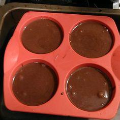 Bonjour la team! Hier soir avec @heloodream nous avons préparé une recette de coulant au chocolat cétogène. Autrement dit riche en bonnes graisses et très pauvres en glucides. C'était délicieux... Vous retrouverez la recette dans un futur ebook de recettes exclusivement cétogènes. Dédié aux personnes souhaitant perdre en masse grasse tout en se faisant plaisir sans culpabilité ! Si vous êtes un / une fitness addict. Cet ebook vous enchantera ! Bon dimanche à tous ! #fitnessgoals…