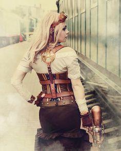 Steampunk Girl Captain Irachka