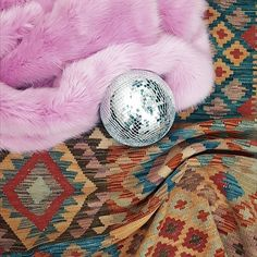 >>> Welcoming Roksana to the grid.  She's B I G and B O L D >>> 195x125cm >> See link in b i o for more details 💜 . . . #kilm #glasgow #vintagerug #rugs #shawlands #persian  #persianrug #persianrugs #bohostyle #vintagestyle #vintage #bohemian #glasgowvintage #interiors #interiordesign #midcentury #bohemianstyle #vintagefurniture #styleitdark #edinburghvintage #livingroomdecor #homesweethome #instahome #myhomestyle #darkinterier #bedroominspo #livingroominspo #textiles