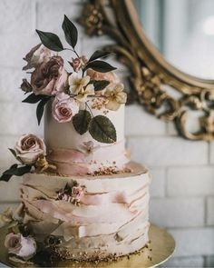 Flowers on cakes are becoming an emerging trend!