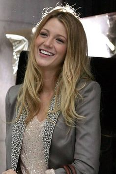 """With sun-kissed locks [link url=""""http://www.glamourmagazine.co.uk/celebrity/biographies/blake-lively""""]Blake[/link] shows off that she's working the two-tone trend just like oodles of other stars in Celebsville right now, on the set of the latest series of Gossip Girl. [link url=""""http://www.glamourmagazine.co.uk/celebrity/celebrity-hair""""]SEE MORE CELEBRITY HAIR[/link] [link url=""""http://www.glamourmagazine.co.uk/beauty-and-hair/hair-trends""""]LATEST HAIR TRENDS[/link] [link…"""