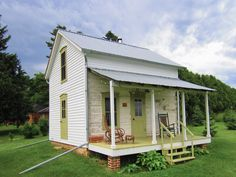 [ Small House Bliss Log Cabin Floor Plans Kits Simple ] - Best Free Home Design Idea & Inspiration Log Cabin Floor Plans, Wooden Cottage, Barn Renovation, Cabins And Cottages, Log Cabins, Small Cabins, Wooden Cabins, Tiny House Living, Cottage Living