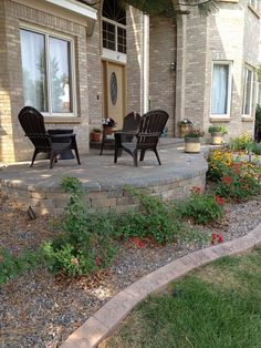yard design ideas - front patio! i love the idea of a low wall ... - Front Patio Ideas