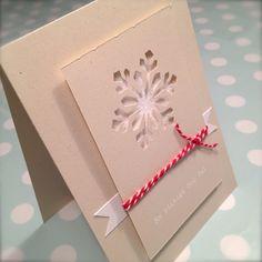 Glittrigt papper bakom en utstansad snöstjärna, snyggt! Rimna´s skafferi