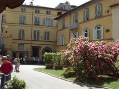 Piazza San Frediano #Lucca, #Tuscany. #holidays #italy