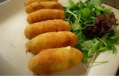 "Do you know ""croquetas"" Kitchen Recipes, Cooking Recipes, Healthy Recipes, Yummy Appetizers, Appetizer Recipes, Best Mexican Recipes, Ethnic Recipes, Pollo Recipe, Pernil"