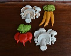 Homco Vegetable Wall Plaques / Carrot / Radish / by AtomicThirteen