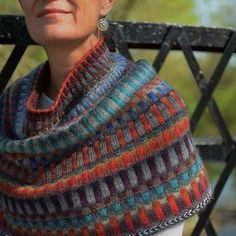 Ravelry: Sun rays pattern by Galina ShemchukFree knitting pattern knit Knitting tutorial Free online knitting pattern patron tricot gratuit, patron te Knit Cowl, Knitted Shawls, Knitted Poncho, Knitted Scarves, Knitting Patterns Free, Knit Patterns, Free Knitting, Free Pattern, Fair Isle Knitting