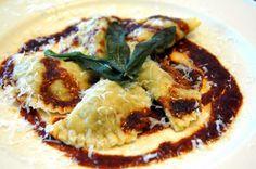 Post image for Beef Short Rib Ravioli Real Food Recipes, Cooking Recipes, Yummy Food, Gnocchi Recipes, Pasta Recipes, Beef Short Ribs, Braised Beef, Fresh Pasta, Italian Recipes