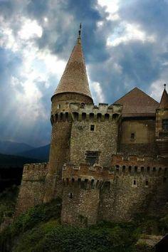 Medieval Hunyad Castle, Transylvania, Romania photo via igor Chateau Medieval, Medieval Castle, Beautiful Castles, Beautiful Places, Beautiful Buildings, Bran Castle Romania, Photo Chateau, Places To Travel, Places To Go
