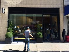 There are five Sweetgreen locations in NYC – I visited this one on 28th Street and Broadway in the city's NoMad neighborhood. I expected a line ...