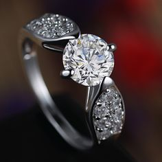 The time you decide on going down your knees look around #Belgium to avail the perfect #EngagementRing in #Antwerp at stores and also online for getting the best affordable online prices.