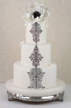 Black and White Birthday Cakes | Permaneceremos cerrado por vacaciones desde el 27 de Julio hasta el 30 ...