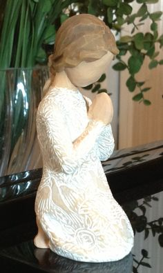 """""""For whosoever shall call upon the name of The Lord shall be saved"""" Romans Willow Tree~ Prayer of Peace Willow Tree Statues, Willow Figurines, Willow Tree Nativity Set, Willow Tree Art, Willow Tree Familie, Willow Tree Engel, Willow Tree Figuren, Slab Ceramics, Scented Sachets"""