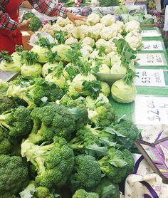 Broccoli and cauliflower from Mammoth Produce. (North Pinckney St.)