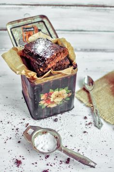 Chocolate Brownies- I want to receive some kind of desert in a cute little tin like this at some point in my life.