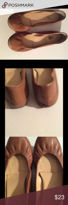 Authentic J Crew flats size 71/2 Pre Owned genuine J crew all leather flats shoes, show scuffs by the toes an heel, otherwise in good condition. Very soft and comfortable. J crew Shoes Flats & Loafers