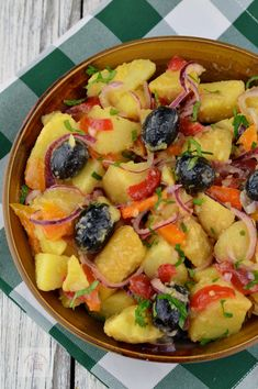 Romanian Food, Superfoods, Fruit Salad, Cantaloupe, Good Food, Salads, Health, Fruit Salads, Super Foods