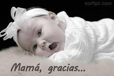 Para mi Madre Cuando fui feliz Cuando estaba triste Cuando me vi en problemas Cuando necesité de ayuda Allí estuviste tú Madre mía Dispuesta siempre a todo por mí... ¡Gracias Mamá!