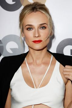 Lady is a Vamp: Best Dark Lips of 2012 - Diane Kruger