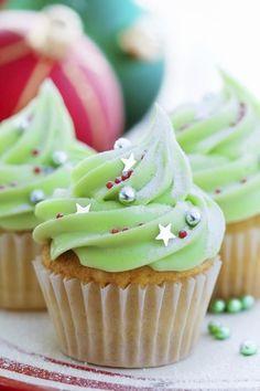 Zartgrüner Weihnachts-Cupcake