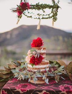 boho naked wedding cake with full peonys Wedding Cake Red, Green Wedding Shoes, Chic Wedding, Wedding Trends, Wedding Blog, Rustic Wedding, Gypsy Wedding, Wedding Ideas, Gift Wedding