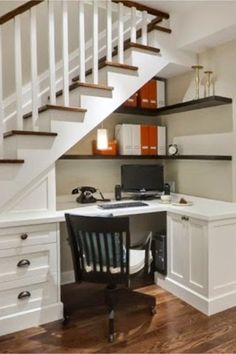 Home office ideas - small office work spaces Under stair storage ideas - home office and desk under stairs ideas Stair Shelves, Staircase Storage, Staircase Design, Shelves Under Stairs, Under Stair Storage, Book Shelves, Office Under Stairs, Space Under Stairs, Under Staircase Ideas