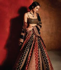 6 reasons to pick up the new issue of Khush Wedding Magazine Indian Gowns Dresses, Indian Fashion Dresses, Dress Indian Style, Indian Designer Outfits, Indian Wedding Dresses, Wedding Lehnga, Wedding Mandap, Wedding Stage, Wedding Updo