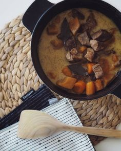 Murea lihapata syksyyn – Annikaruu | Lily Pot Roast, Beef Recipes, Good Food, Food And Drink, Lily, Ethnic Recipes, Torah, Food Ideas, Fun
