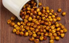 Roasted Chickpea recipes and other healthy snacks. Homemade chips, popcorn, etc Chickpea Recipes, Chickpea Snacks, High Fiber Snacks, High Fiber Foods, Healthy Snacks, Healthy Eating, Healthy Recipes, Healthy Chips, Vegans