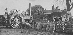 Threshing day with steam traction engine Antique Tractors, Vintage Tractors, Old Tractors, Vintage Farm, Old Farm Equipment, Heavy Equipment, Agricultural Engineering, White Tractor, Steam Tractor