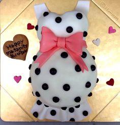 pregnantcake 妊婦さんケーキ Belly Cakes, Snowman, Amazing, Outdoor Decor, Baby, Snowmen, Baby Humor, Infant, Babies