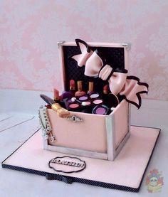 8th Birthday, Cake Birthday, Birthday Ideas, Beautiful Cakes, Amazing Cakes, Makeup Birthday Cakes, Makeup Themes, Cupcake Cakes, Cupcakes