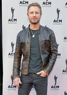 The hottest men of country music Country Musicians, Country Music Artists, Country Music Stars, Male Country Singers, Dierks Bentley, American Country Music Awards, Country Men, Attractive Men, I Love Music