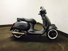 Scooter Motorcycle, Vespa Scooters, Bike, Vespa 300, Wild Hogs, Cars And Motorcycles, Matte Black, Vintage Cars, Gears