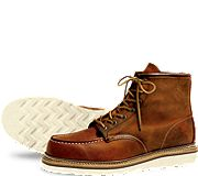 Redwing Heritage style 1907 Moc toe.  Yes, please! Manly, rugged, casual, comfortable - you can wear these boots ANYWHERE